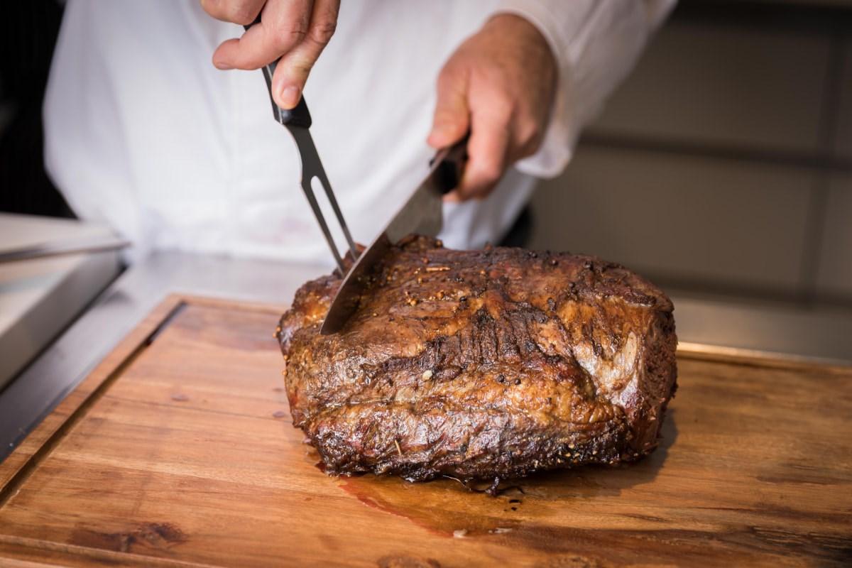 ארוחה בשרית