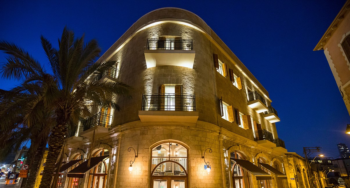 מבנה המלון בלילה מלון מרקט האוס
