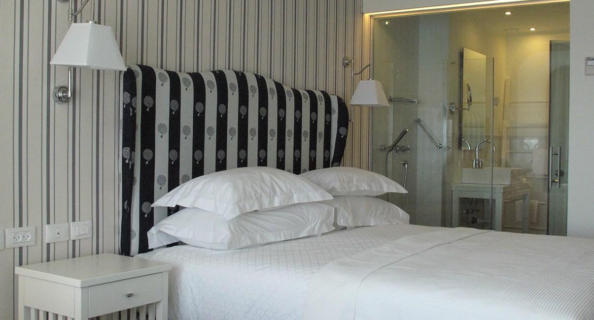 חדר מלון שלום תל-אביב
