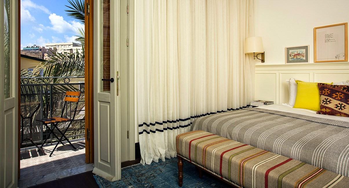 חדר סופריור עם מרפסת