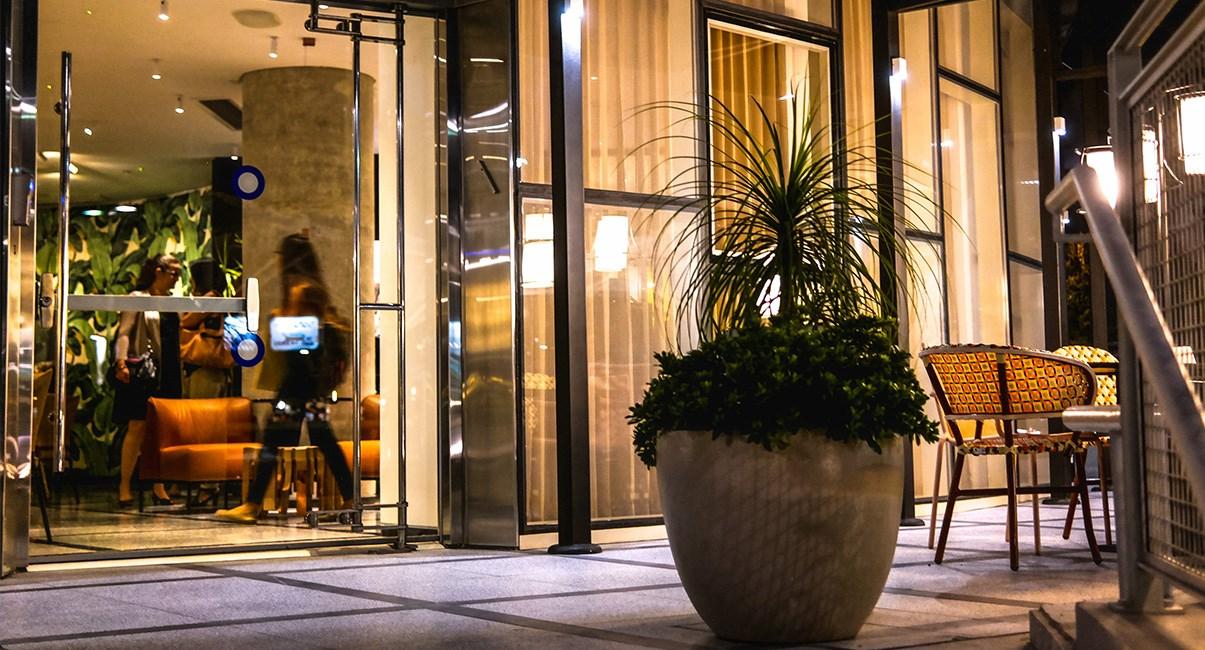 65 hotel enterance