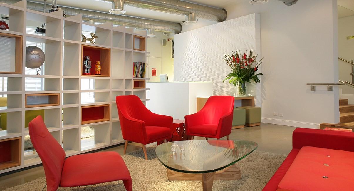 לובי עיצוב מלון ארטפלוס תל-אביב