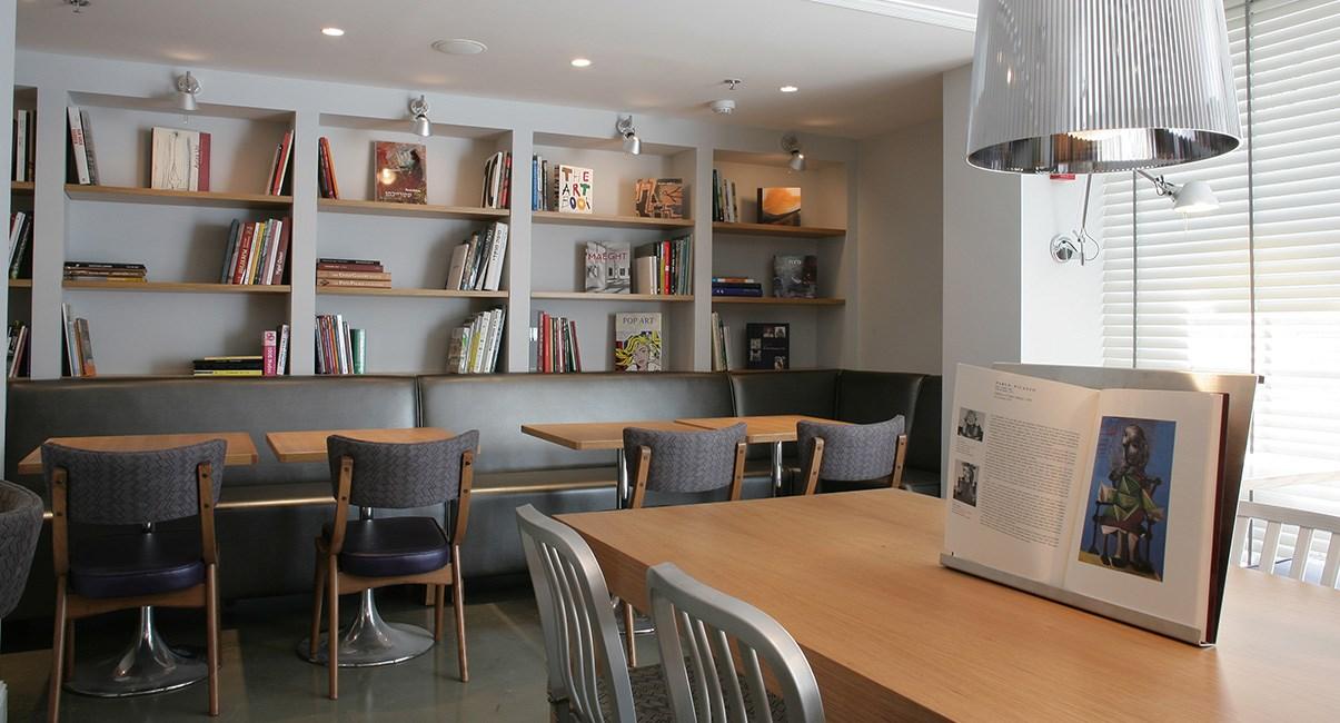חדר אוכל עיצוב מלון ארטפלוס תל-אביב