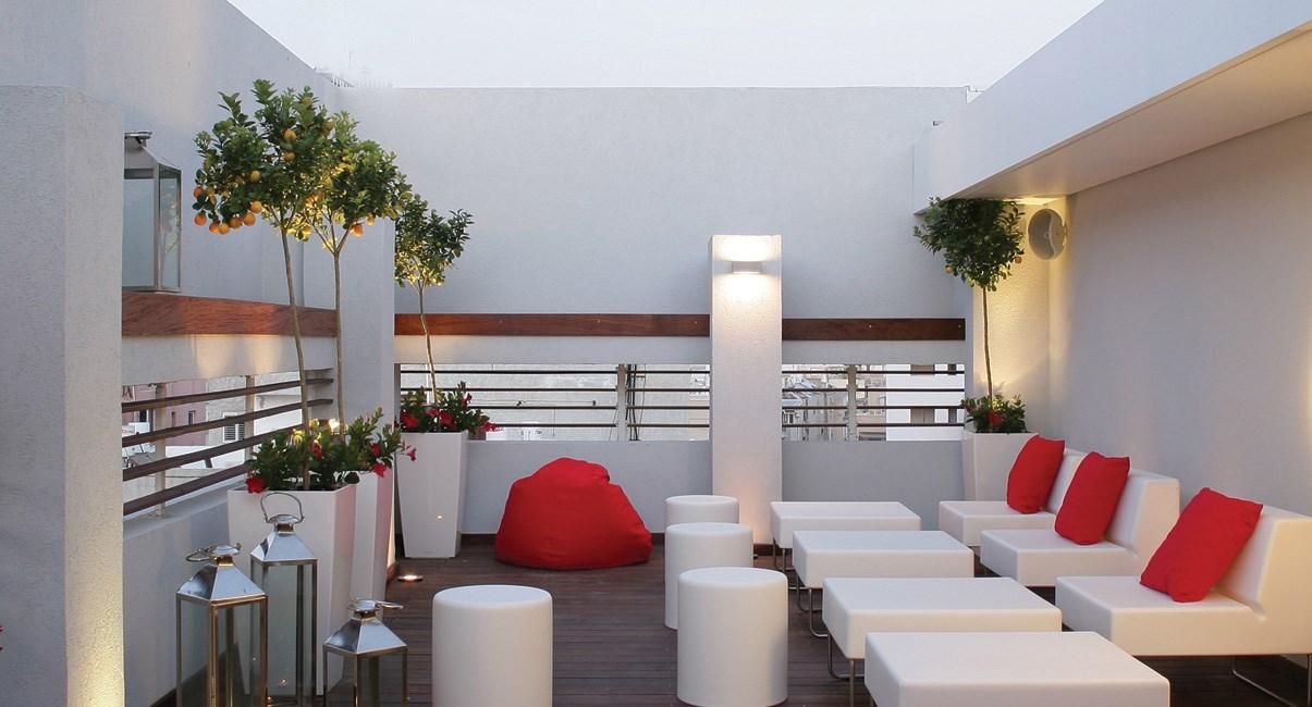 מרפסת מלון ארטפלוס תל-אביב