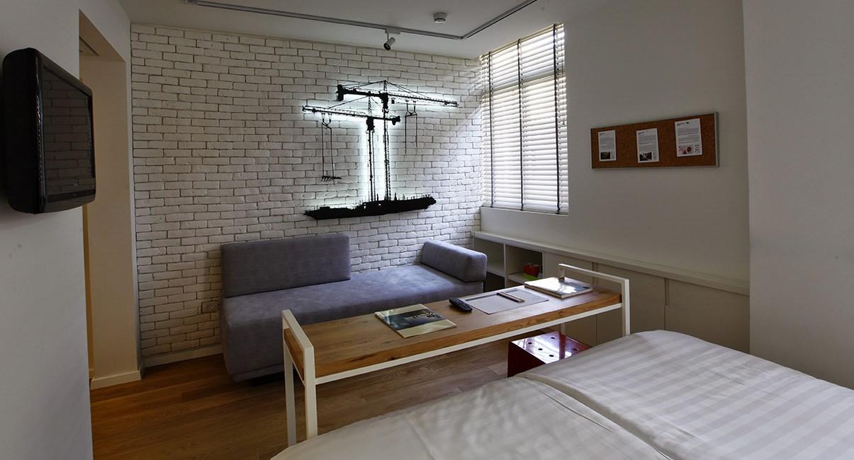 חדר מלון ארטפלוס תל-אביב