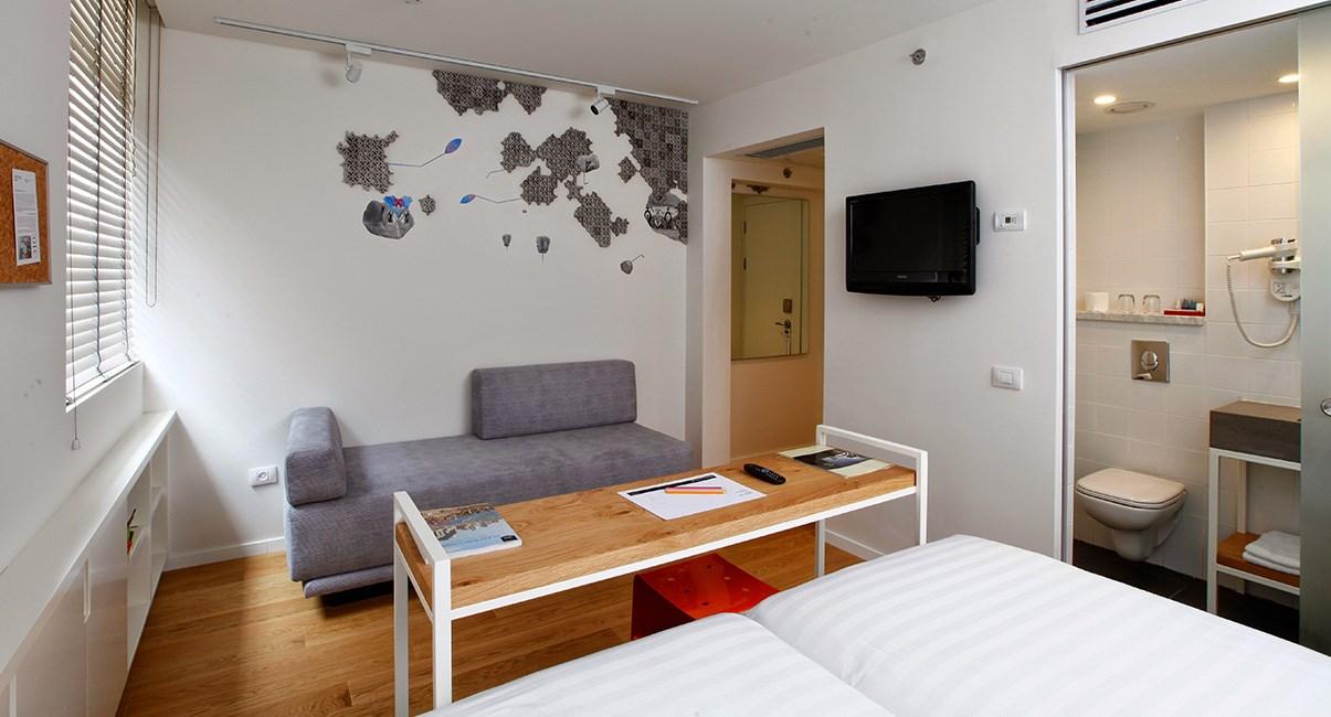 artplus hotel room