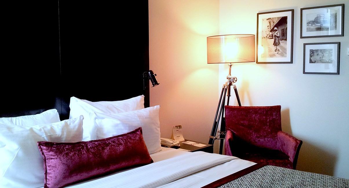 cinema hotel tel aviv room