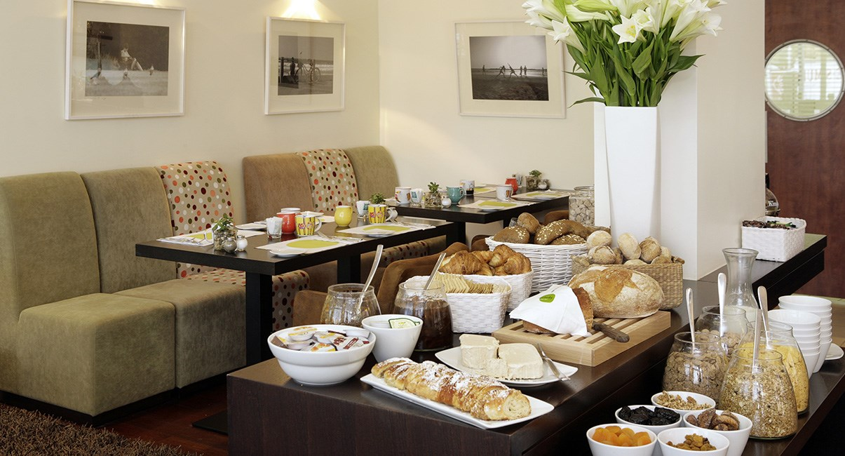 melody hotel tel aviv breakfast