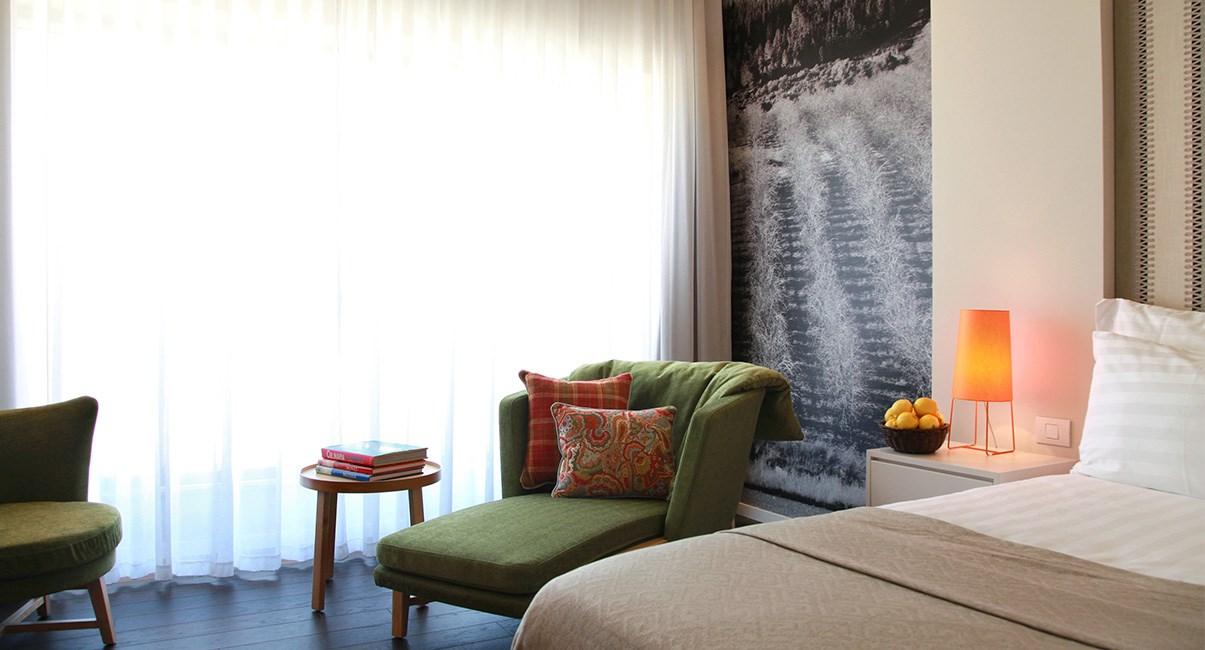 sadot hotel room
