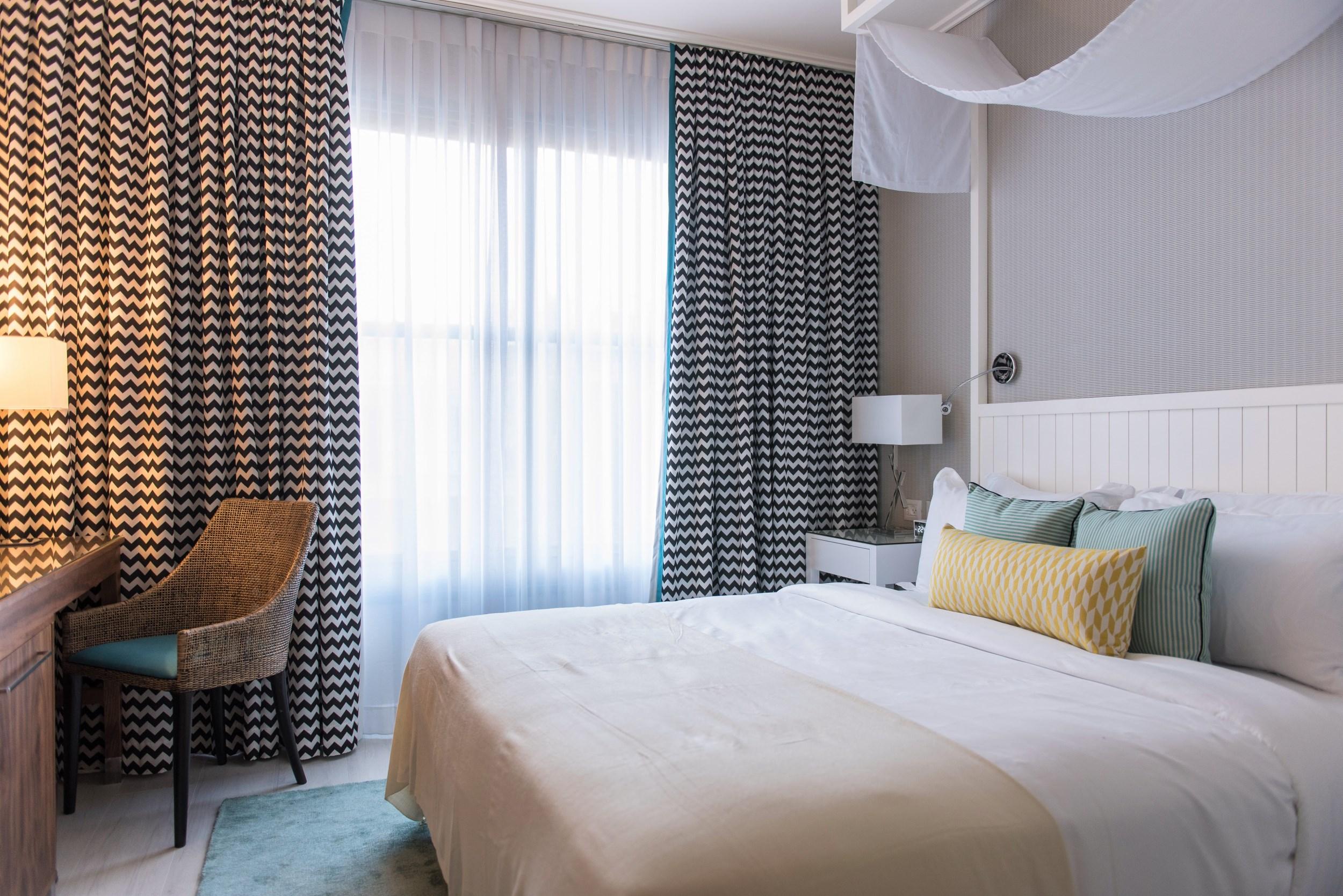 melody hotel room